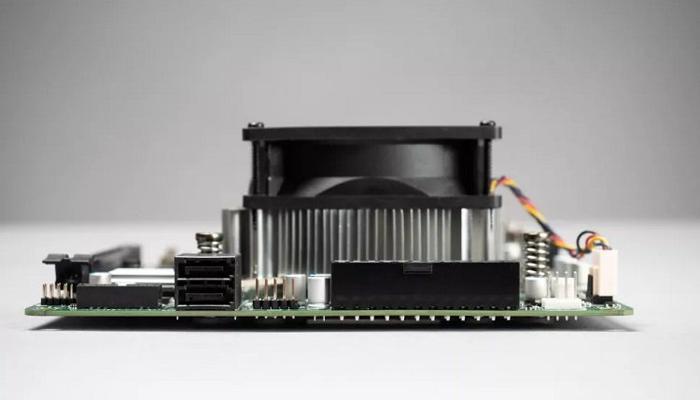 amd-prevratila-brakovannye-chipy-ot-xbox-series-x-v-platformu-dlia-desktopov-4700s_1.jpg