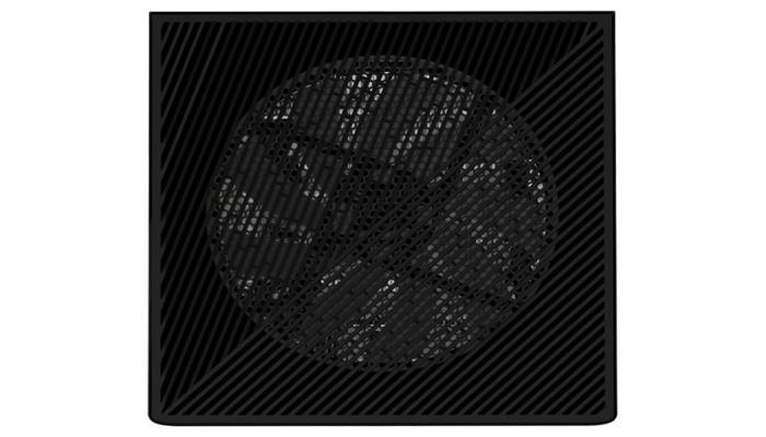 gigabyte-predstavila-igrovoi-kompiuter-aorus-model-s-kotoryi-pokhozh-na-xbox-series-x_4.jpg