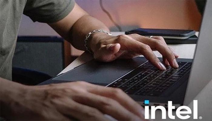intel-ispolzovala-v-reklame-luchshego-v-mire-protcessora-izobrazhenie-macbook-pro_2.jpg