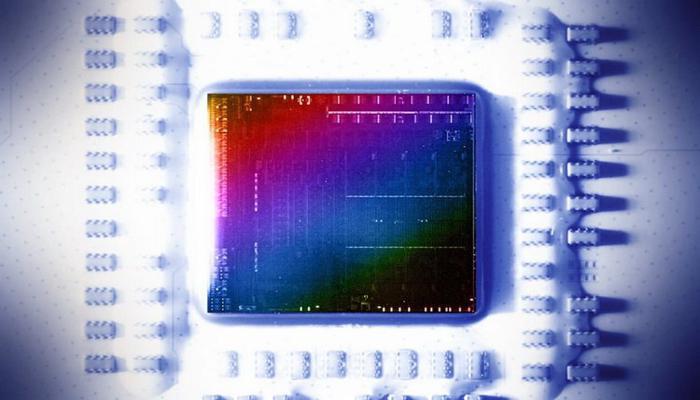 opublikovany-fotografii-kristalla-gibridnykh-protcessorov-amd-ryzen-5000g_1.jpg