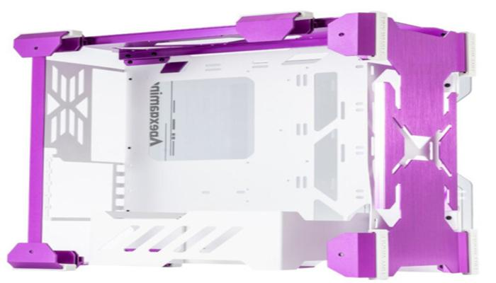 predstavlen-neobychnyi-korpus-apexgaming-g3m-dlia-kompaktnogo-pk-iz-metalla-i-stekla_4.jpg