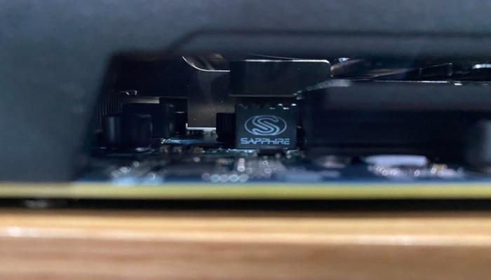 sapphire-razrabotala-dvukhchipovuiu-videokartu-radeon-rx-570-dlia-mainerov_4.jpg