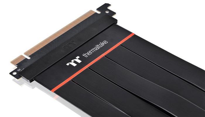 thermaltake-vypustila-gibkie-raizery-dlia-videokart-tt-premium-pcie-40-extender_3.jpg
