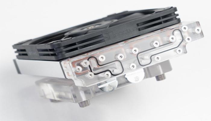umeletc-sozdal-sverkhkompaktnuiu-sistemu-zhidkostnogo-okhlazhdeniia-dlia-protcessora--vysota-vsego63-mm_1.jpg