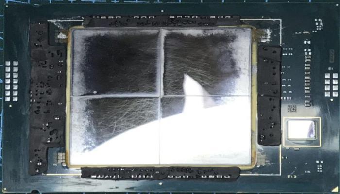 vskrytie-obraztca-intel-sapphire-rapids-pokazalo-chetyre-kristalla-na-obshchei-podlozhke_1.jpg