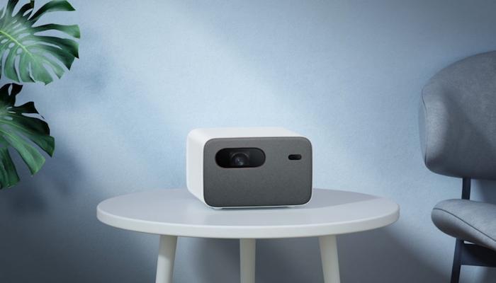 xiaomi-predstavila-proektor-mi-smart-projector-2-pro-s-google-assistentom-po-tcene-1000-evro_1.jpg
